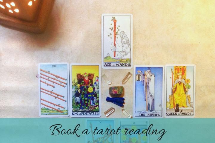 book a tarot reading