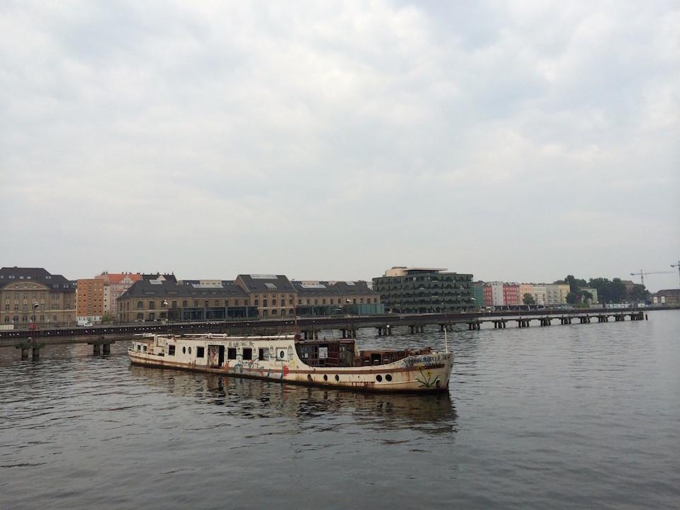 Berlin Party am Wasser
