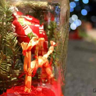 Do It Yourself: Christmas Tree in a Jar