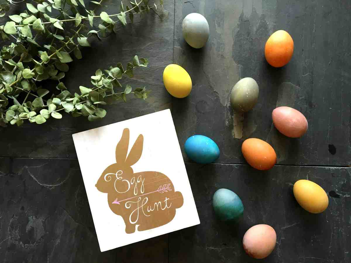 DIY All Natural Easter Egg Dyes