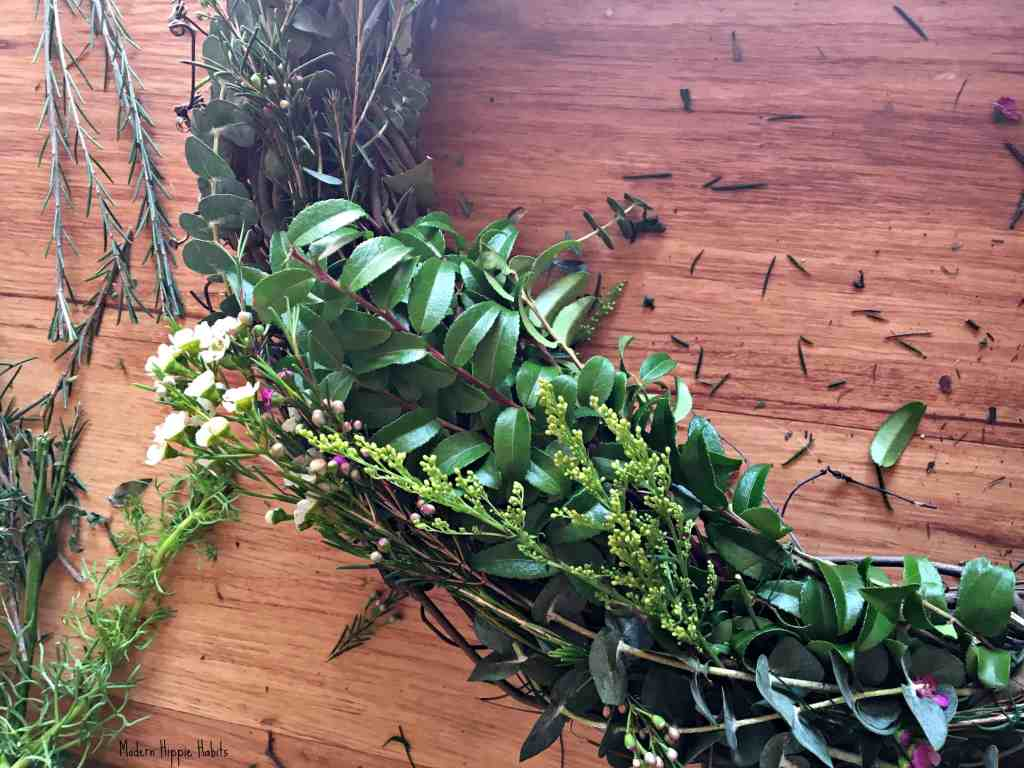 DIY Fresh Spring Wreath Leaves