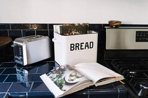 Distressed Bread Box With Lid