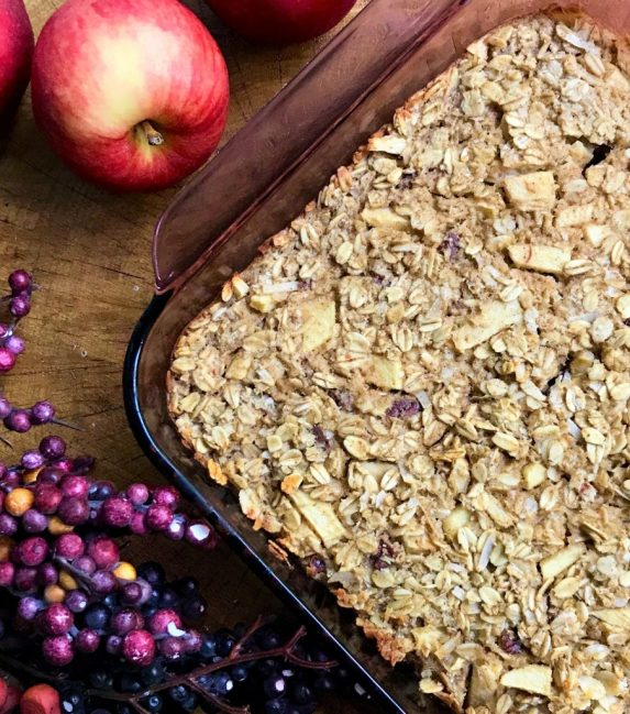 Healthy Baked Apple Oatmeal