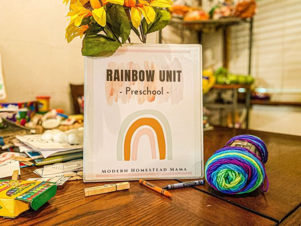Rainbow Preschool Unit | Modern Homestead Mama