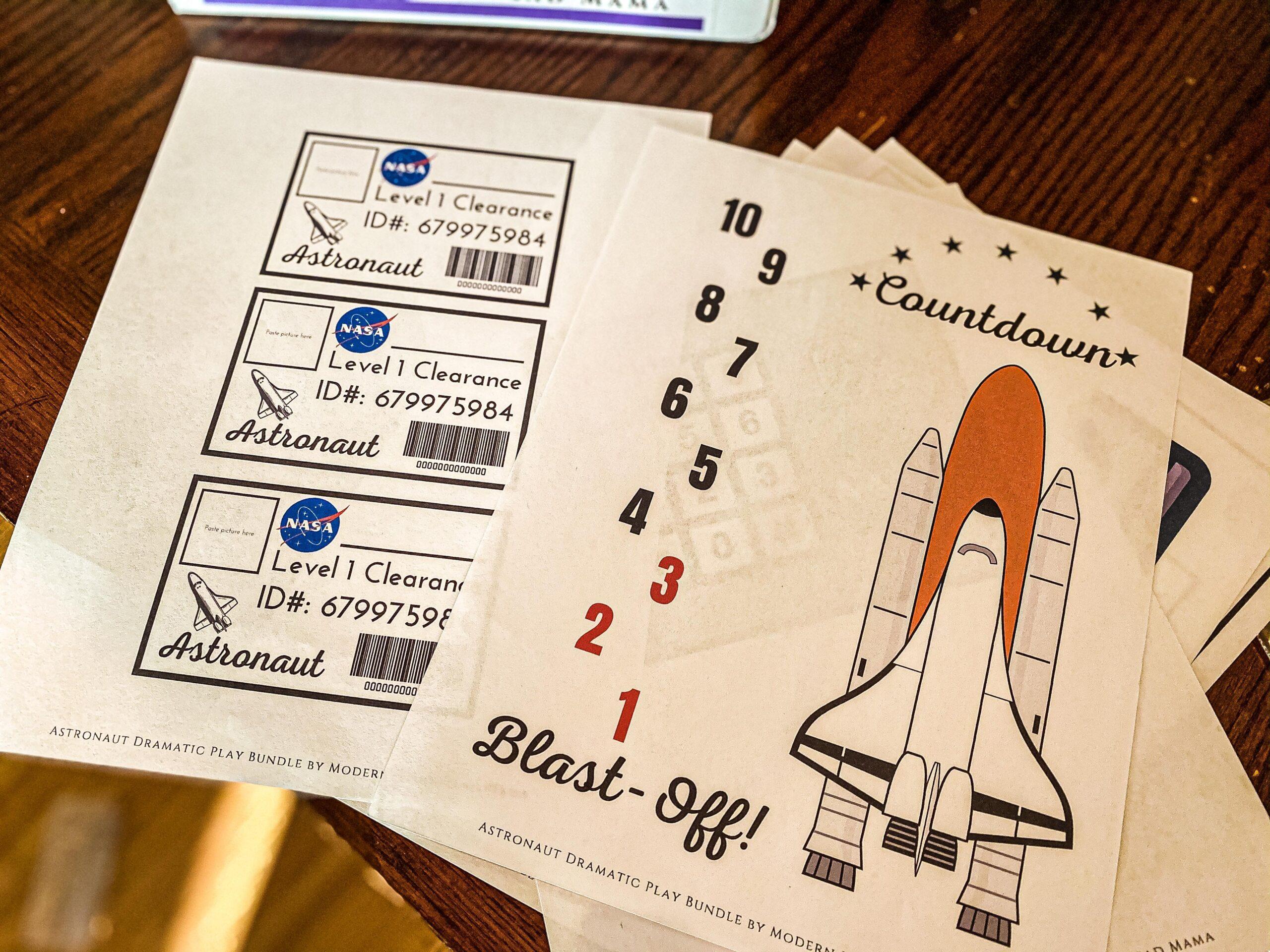 Astronaut Dramatic Play Station (+ Printable Bundle)