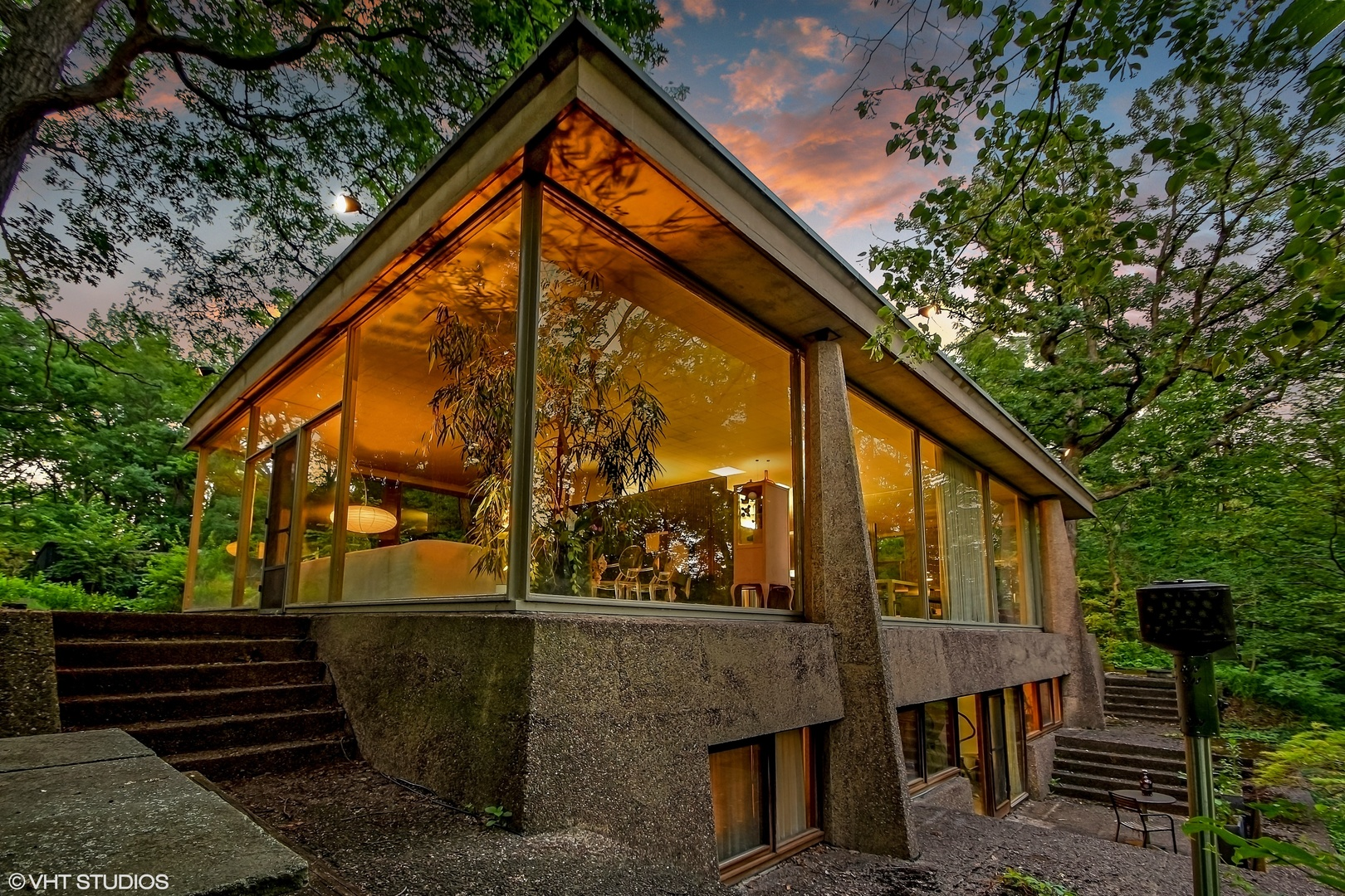 """GONE! Stunning Glass & Concrete """"House on a Bluff"""" on the ... on Modern Glass House  id=72336"""