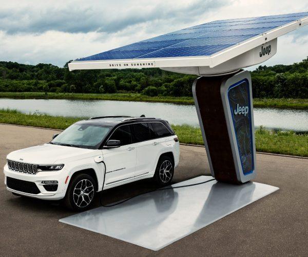 Electrified 2022 Jeep Grand Cherokee 4xe