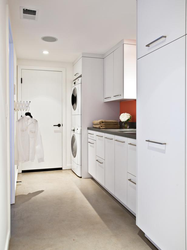 Laundry Room Ideas for More Interesting Spaces on Laundry Decor Ideas  id=62163