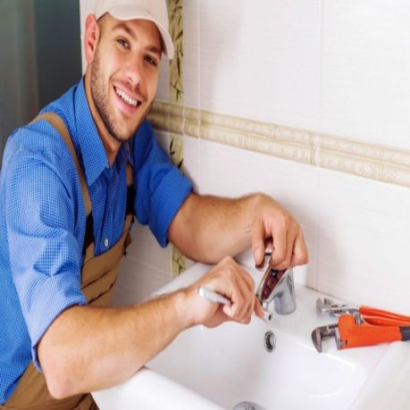 The-Pink-Plumber_Insightful-Tips-for-Choosing-the-Right-Plumbing-Services_Image-1-1024x706_900x900.jpeg