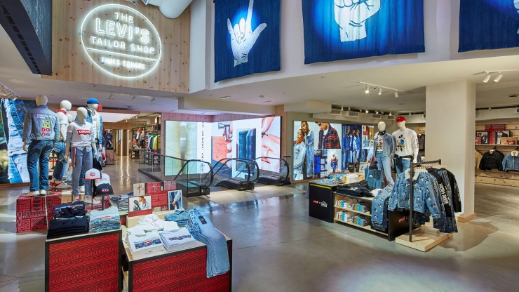 Digital signage Digital media solutions provider Reflect creates striking visual experience for Levi's flagship store in New York using D3 LED panels and - BrightSign media players