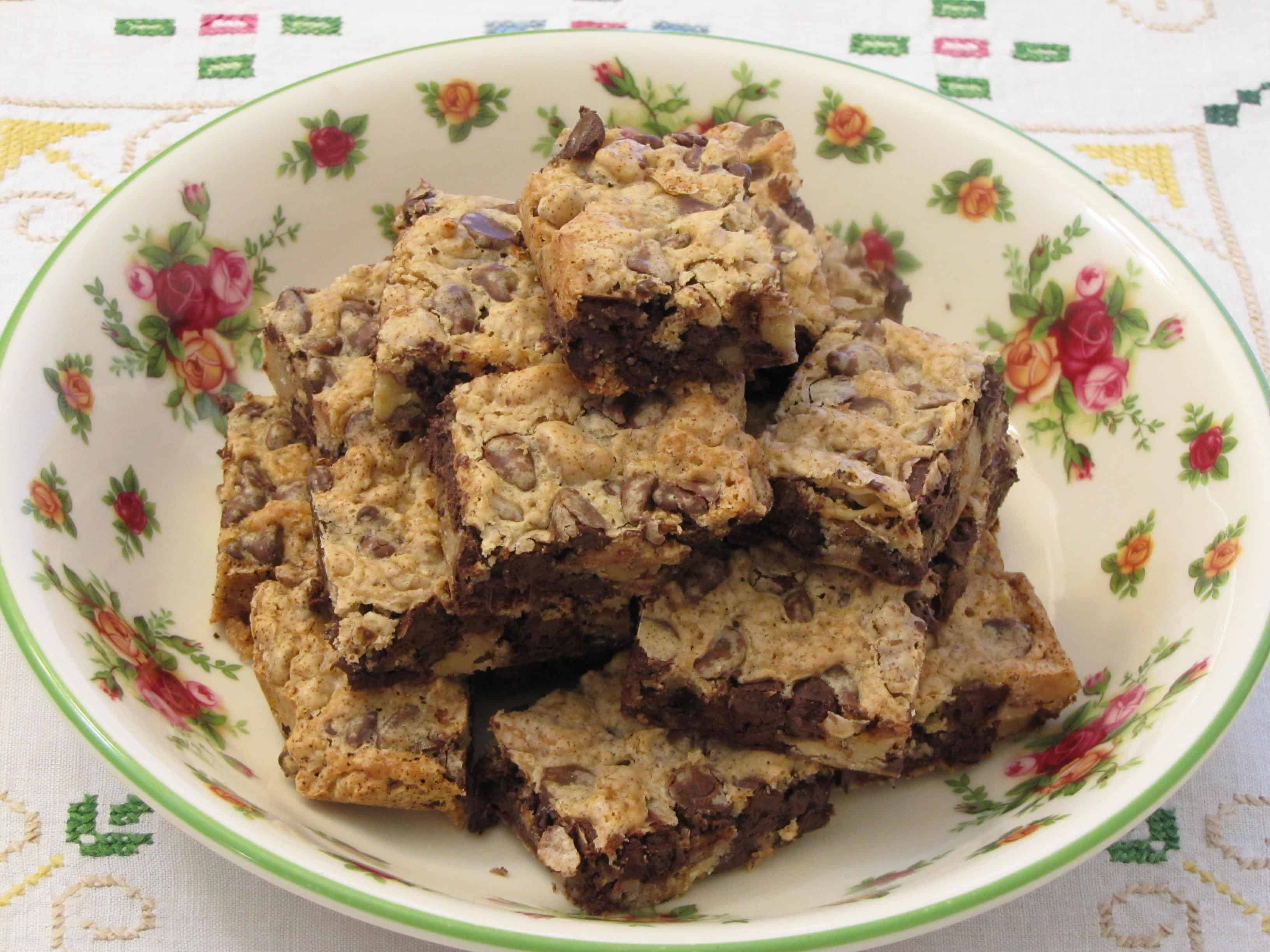 chocolate chip cookie and grandparents house This was my go-to chocolate chip cookie recipe for years upon years, until i stumbled upon the new york times chocolate chip cookie, which i modified a bit to become my new favorite thick and chewy chocolate chip cookie recipe.
