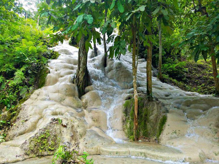 """Bua Tong """"Sticky"""" Waterfalls"""