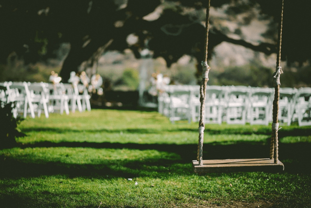 Little Ideas For A Sweet DIY Backyard Wedding