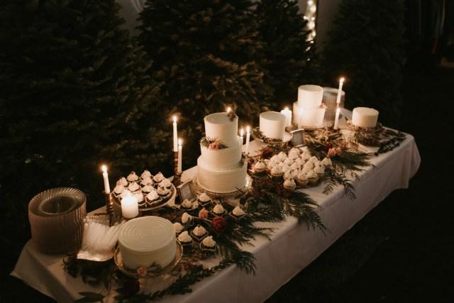 winter Oregon wedding