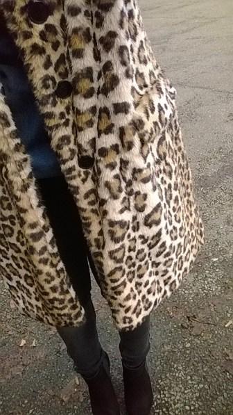 http://www.zara.com/de/de/trf/m%C3%A4ntel/mantel-mit-leopardenmuster-c502501p1461524.html