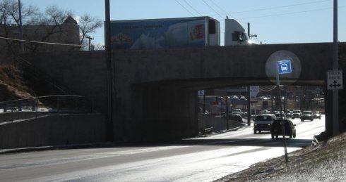 Bus stop no sidewalk access