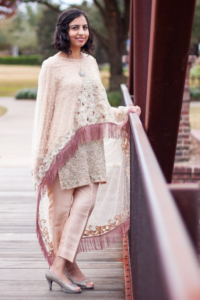 pakistani wedding fashion pink shirt poncho dupatta