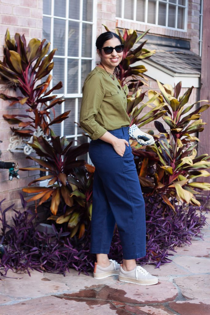 women summer outfit olive green button down and navy cropped chinos