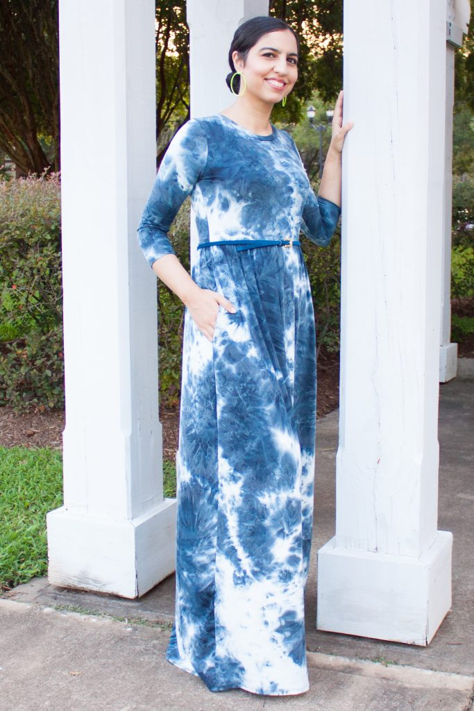 modest dress for women blue and white tie dye maxi dress with sleeves and pockets