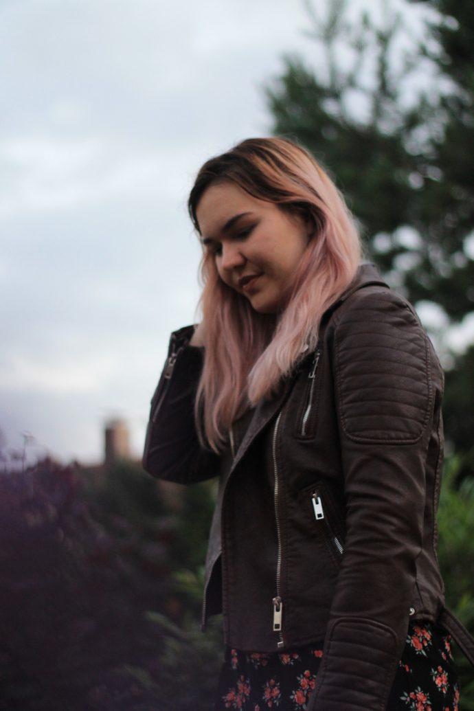 sommerkleid mit blumenmuster outfit modeblog