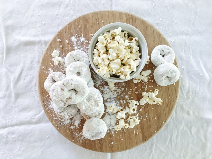 Diner en blanc Ottawa Fashion Blog White dinner menu idea donuts and cheese popcorn 2