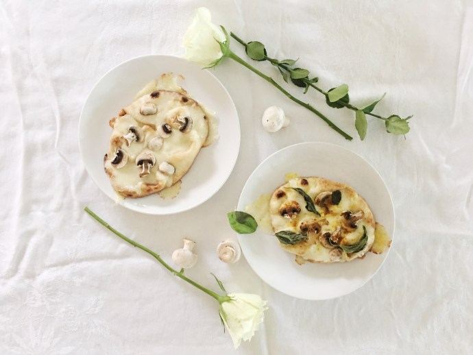 Diner en blanc Ottawa Fashion Blog White dinner menu idea naan pizza and mushroom