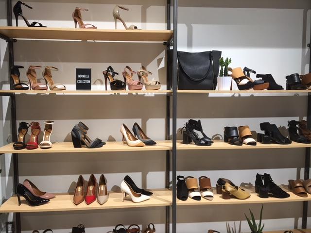 CF Rideau Centre New expansion Ottawa Shopping Mall. new ottawa shoe store