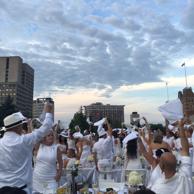 Diner en Blanc 2016 Ottawa Fashion Blog 7