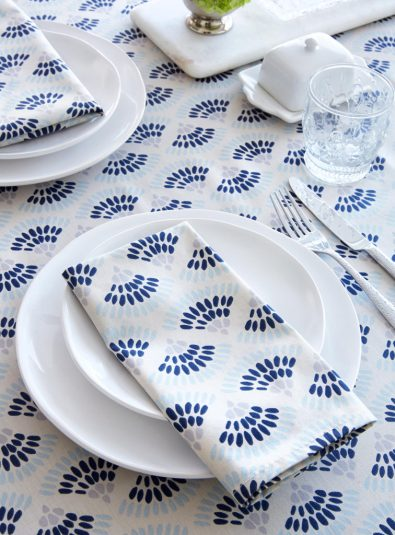 samantha-pynn-table-cloth-simons-maison-ottawa-fashion-blog