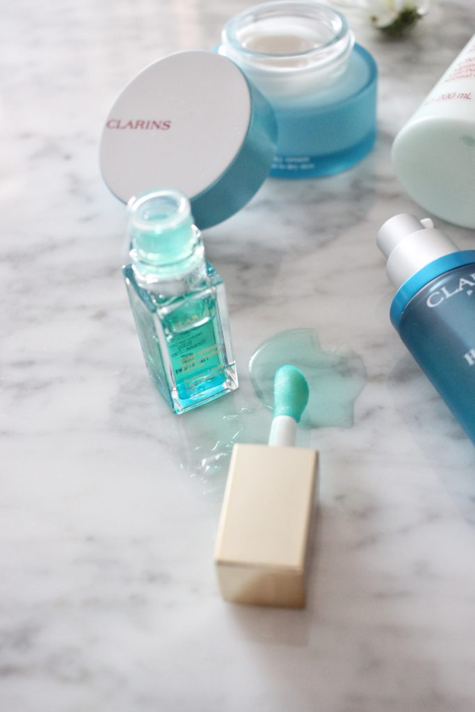 Clarins-skin-care-routine-dry-winter-Ottawa-Canada-beauty-blog-blogger-vlogger-Canadian-Instant-Light-Lip-Comfort-Oil-mint