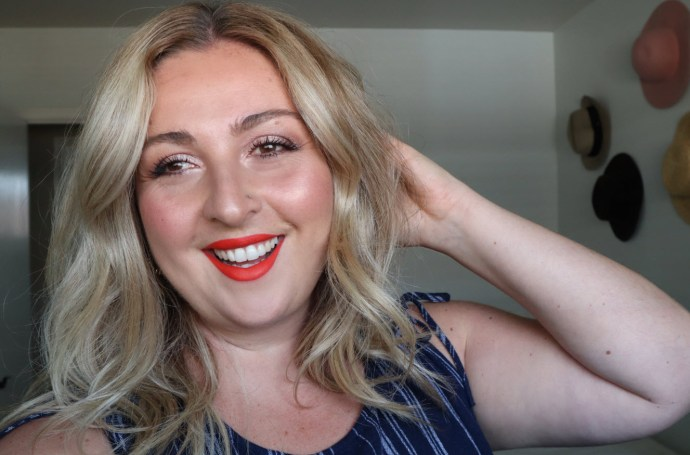 Summer GoldenGlam Makeup Look with bright red lips_Chantsy_Youtuber_Canadian_Beauty_Blogger_Influencer