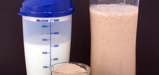 مسحوق البروتين لزيادة الوزن موضوع