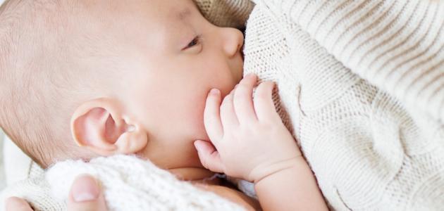 طريقة فطام الطفل عن الرضاعة الطبيعية موضوع