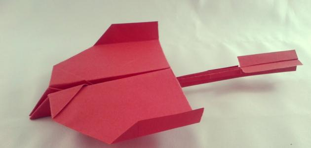 كيف تصنع طائرة من الورق موضوع