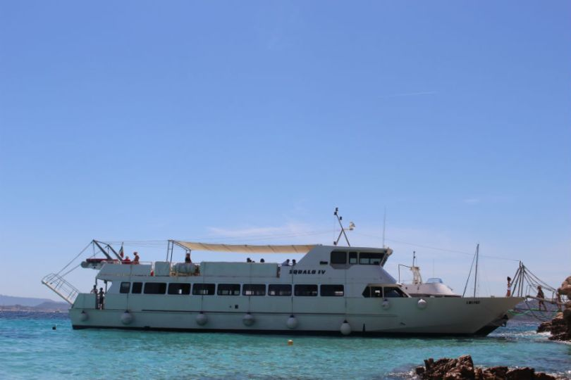 Barco que é feito o passeio - Squalo IV.