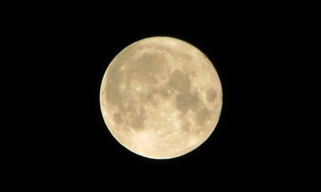 """""""Name the Moon"""", la campaña online para darle un nombre a la Luna"""
