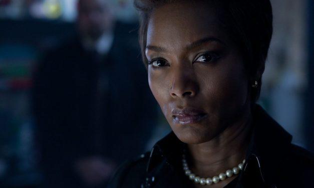 Angela Bassett se une a Black Panther