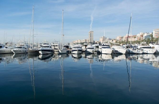 Puerto de Alicante viajar a alicante