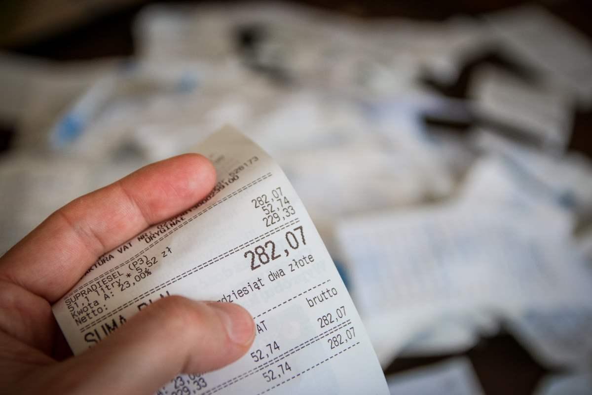 como organizar as contas do final de mês