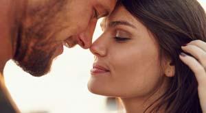 En mand bør trække vejret korrekt i sengen med sin elskede for at udvide den gensidige fornøjelse