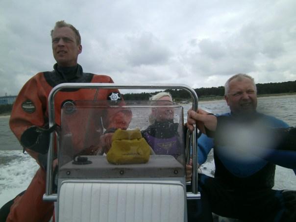 Stefan unsere Bootsführer mit dem Tauchguide Andreas
