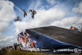 Freestyle MX entertains the crowd during the race breaks