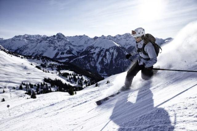 Modern Freeheel Skier