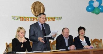 Председатель областного комитета профсоюза работников местной промышленности и коммунально-бытовых предприятий В.М. Кулешов