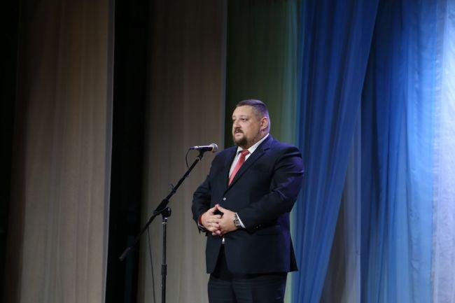 Выступает первый заместитель главы администрации Октябрьского района г. Могилёва Станислав МЫСЛИВЕЦ