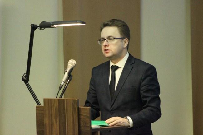 Заместитель председателя Могилёвского областного исполнительного комитета Руслан СТРАХАР выступает на V отчётно-выборной конференции Могилёвского областного объединения профсоюзов