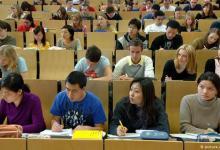 Photo of ألمانيا تسمح بدخول الطلبة الأجانب الملزمين بحضور الدروس فقط!