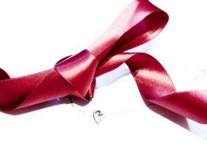 クリスマスプレゼント 彼女 大学生 ネックレス おすすめ 選び方