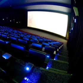 تغريدات د.محمد السعيدي عن السينما بعد لقاء معالي رئيس هيئة الترفيه بسماحة المفتي
