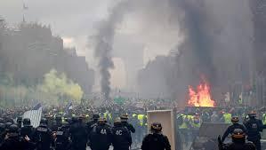 مظاهرات فرنسا وقانونية التظاهر